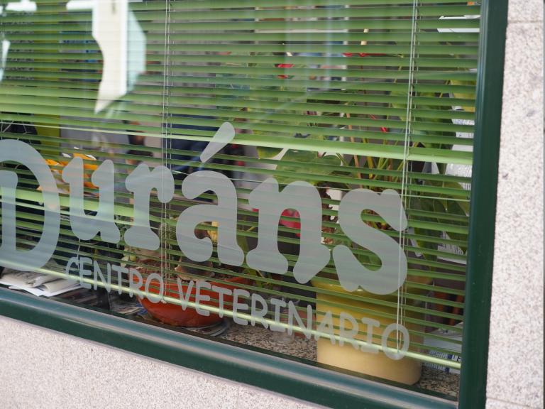 clinica_veterinaria_os_durans_villagarcía_instalaciones_fachada_3