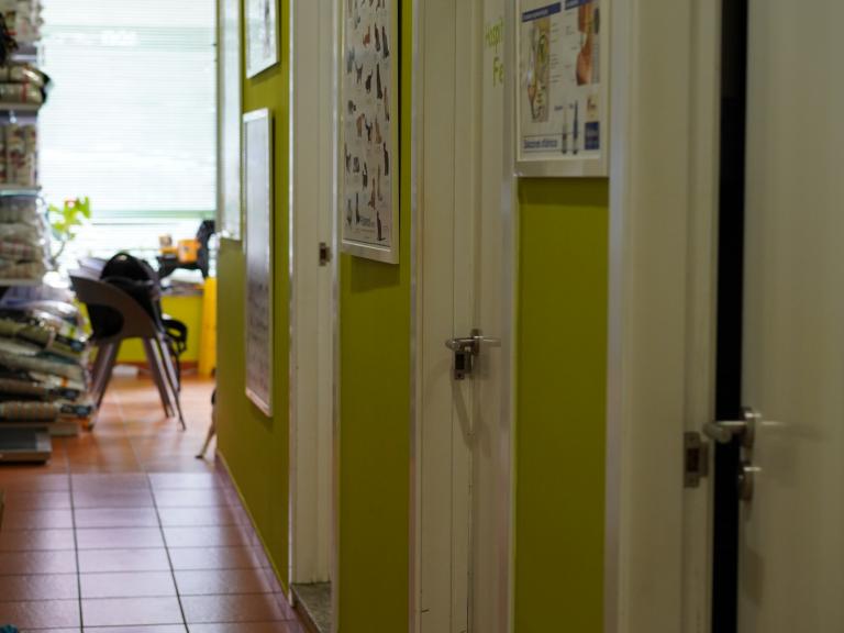 clinica_veterinaria_os_durans_villagarcía_instalaciones_pasillo_2