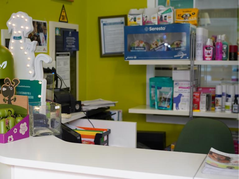 clinica_veterinaria_os_durans_villagarcía_instalaciones_recepcion
