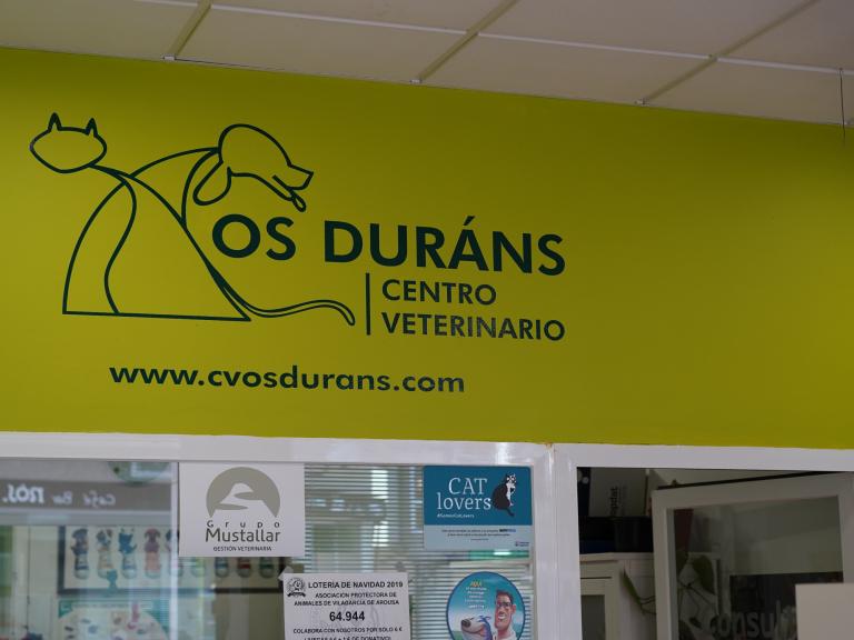 clinica_veterinaria_os_durans_villagarcía_instalaciones_recepcion_2